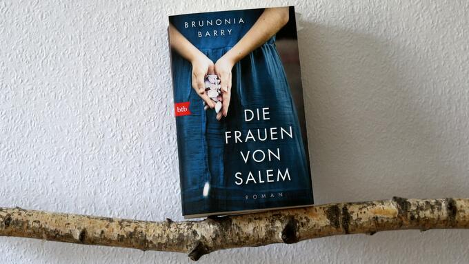 frauen von Salem (1)